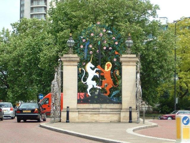 Queen Elizabeth Gate, Hyde Park