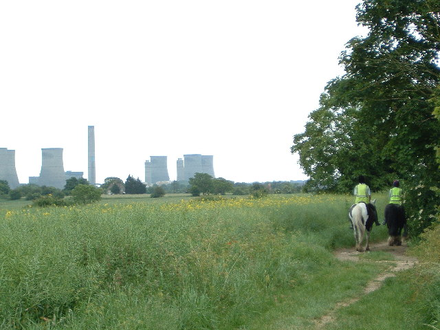 Didcot Power Station from the edge of Drayton