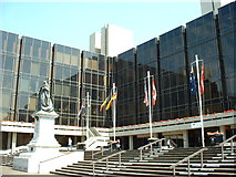 SU6400 : Portsmouth Civic Offices by GaryReggae