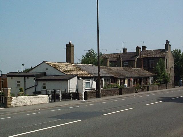 Single storey cottages on Southfield Lane