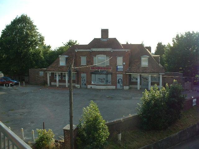 Derelict pub, Thornhill, Southampton