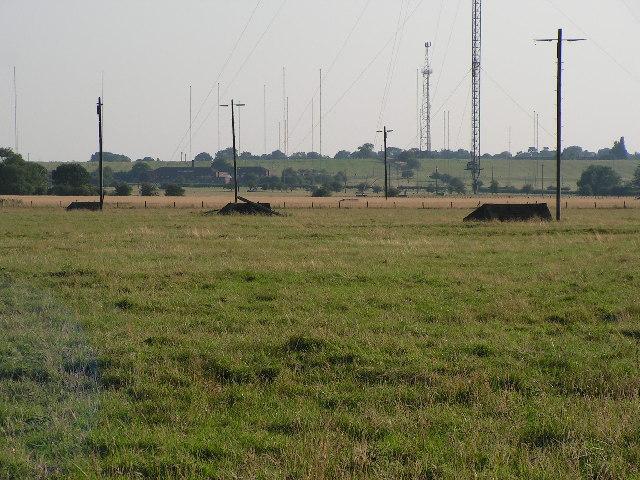 Masts anchor bases.