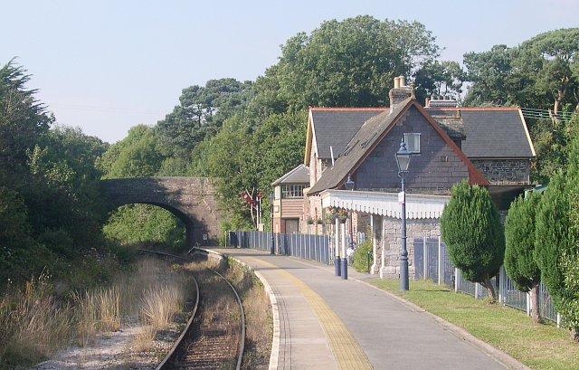 Bere Ferrers Railway Station