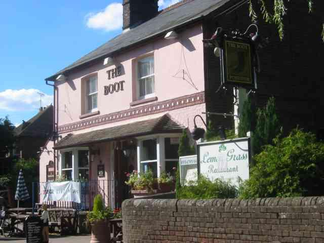 The Boot Pub in Kimpton