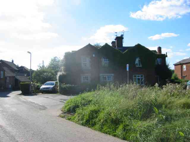 Houses at a cross roads on the Slype