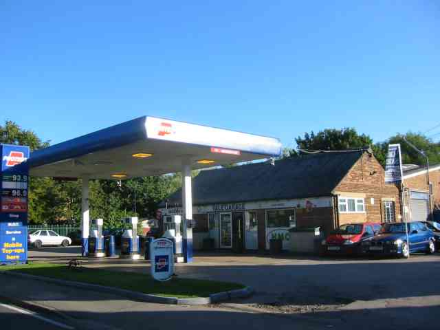 Petrol Filling  Leasey Bridge  Harpenden