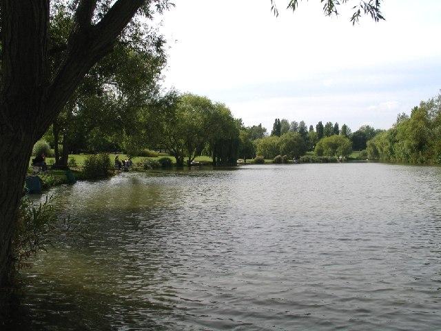 Gloucester Park Basildon - The Lake
