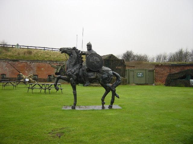 Statue, Fort Paull