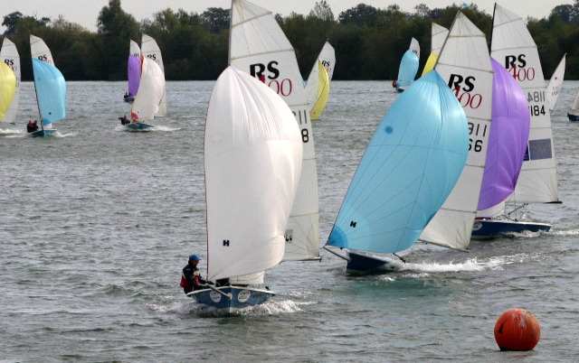 Boats racing to Buoy 1 at Burghfield Sailing Club