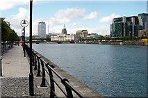 O1634 : Dublin Quayside by Crispin Purdye