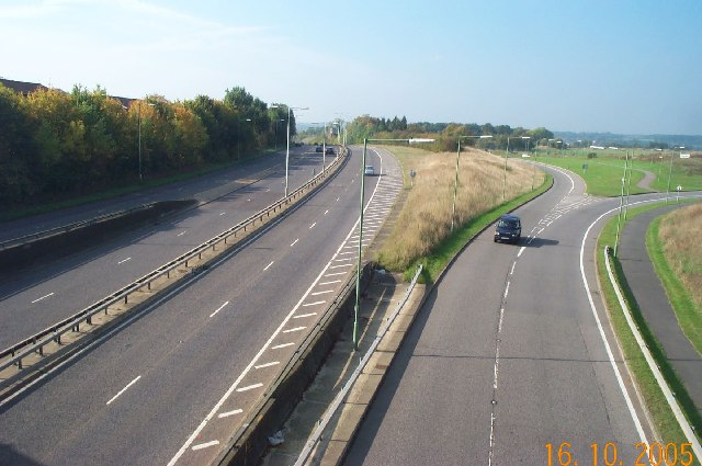 Leavesden Green: A41 North Western Avenue
