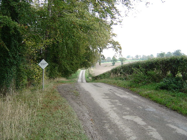 Country road from Nunburnholme to Warter