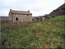 SE8493 : Low Horcum Farm by Lis Burke