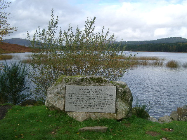 Memorial, Stroan Loch