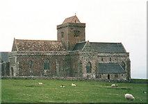NM2824 : Iona Abbey by John Naisbitt
