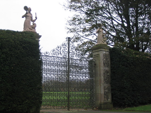 Farleigh School House Gates