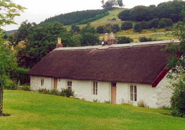 Thatched cottage at Rait