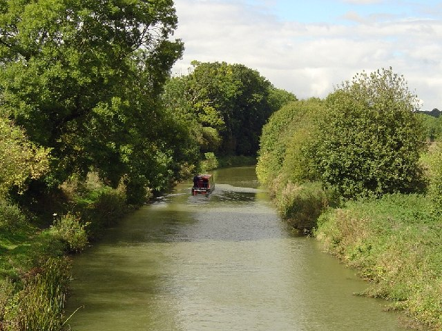 Kennet & Avon Canal seen Westerly from Wolfhall Bridge