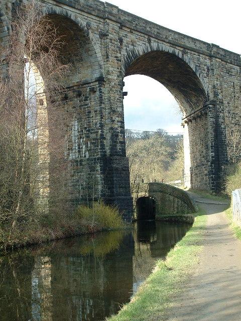 Saddleworth Viaduct, Huddersfield Canal