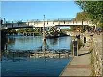 SU5980 : Bridge and Lock at Goring by Nigel Homer