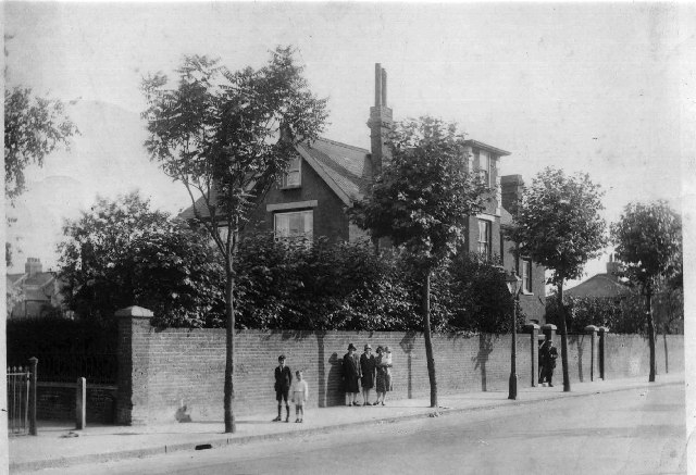 The Red House, 64 Burntwood Lane, Earlsfield, London SW17