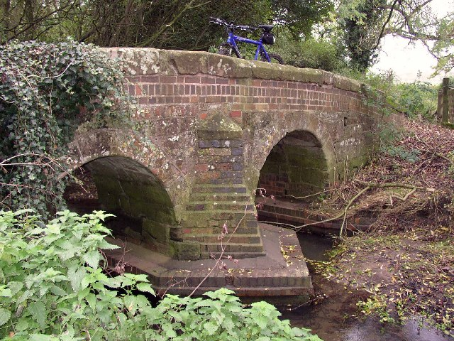Peddlars Bridge near Brinklow