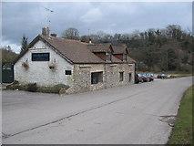 ST7244 : The Bear Inn, Holwell by Phil Williams