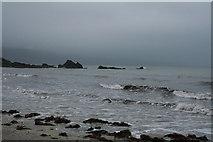 SX2553 : Looe: Pen Rocks, Looe Bay by Martin Bodman