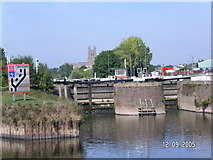 SO8453 : Diglis river locks by Andrew Darge