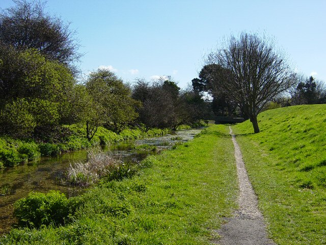 Stream and footpath, Havant