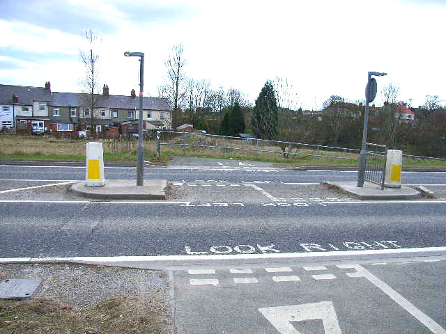 Cyclepath crossing at Wingate