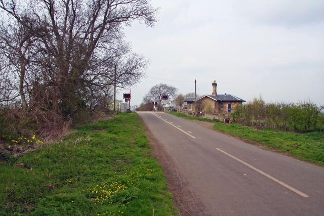Winthorpe railway crossing