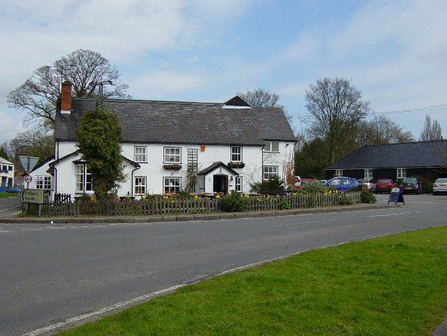 The Cricketers, Clavering