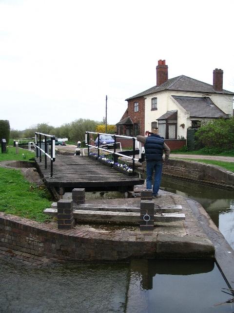 Curdworth bottom lock and bridge