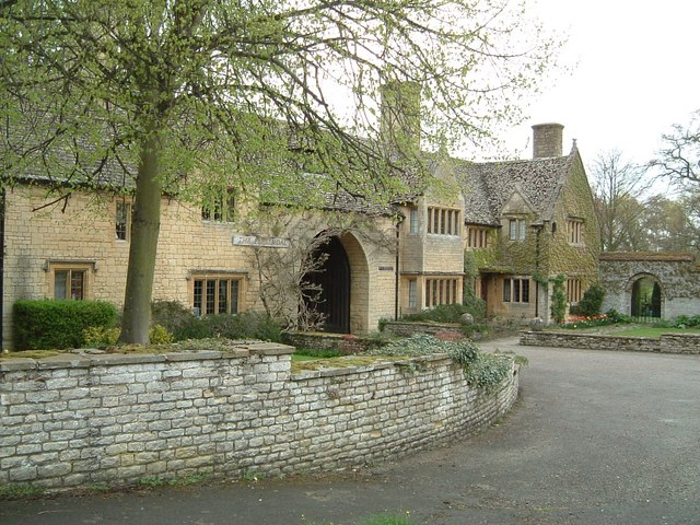 Gatehouse to the Prebendal, Thame
