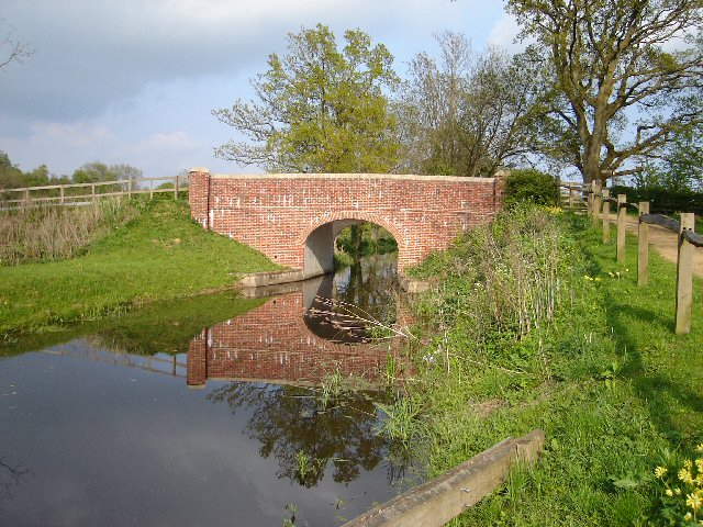 Drungewick Bridge and the Wey and Arun Canal