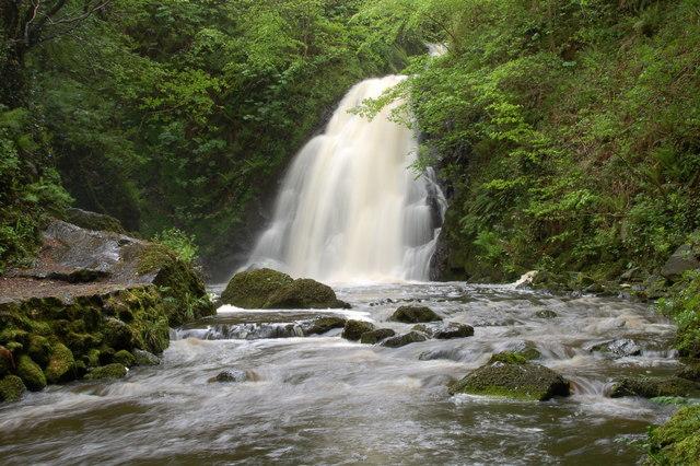 Glenoe waterfall (1)