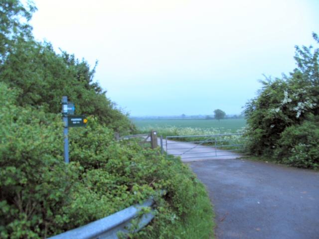 Footpath to Islip