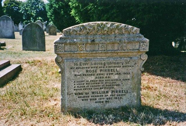 Gravestone in Garratt Green Cemetery, Earlsfield