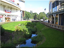 TL0506 : Hemel Hempstead: Riverside Retail Park by Nigel Cox
