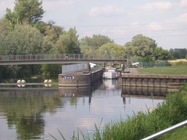 Lock near Willington