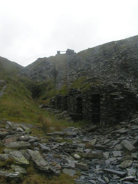 Disused slate quarry below Yr Aran