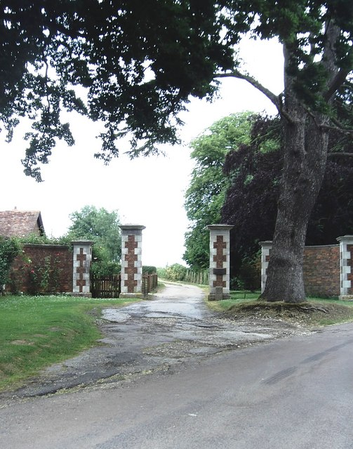 Entrance to Calehill Park, Little Chart