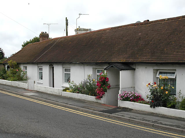 Old Cottages in Richmond Road