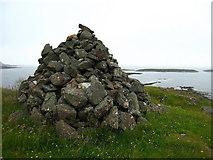NM4257 : Cairn, Laorin Bay by Lisa Jarvis