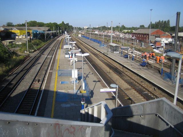 Acton Main Line railway station