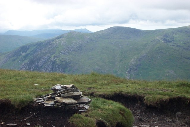 Pen yr Helgi Du summit cairn