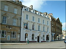 SP0202 : Cirencester, The King's Head Hotel by Neil Kennedy