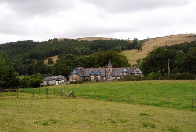 Tyddyn Du in Llanfair Talhaiarn, near Abergele, County Conwy - Book Online  - Hoseasons