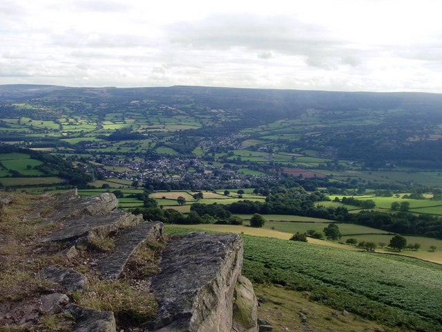 Crags on Crug Hywel / Table Mountain
